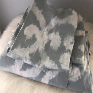 West Elm King Duvet w/ 2 King Shams